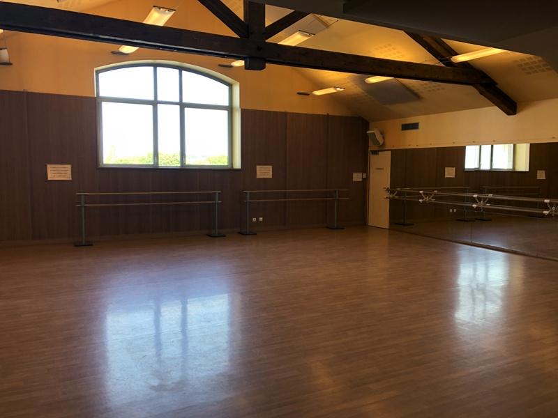 Salle-de-danse-Bat-Atelier-MJC